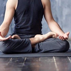 Meditations Kleidung Männer