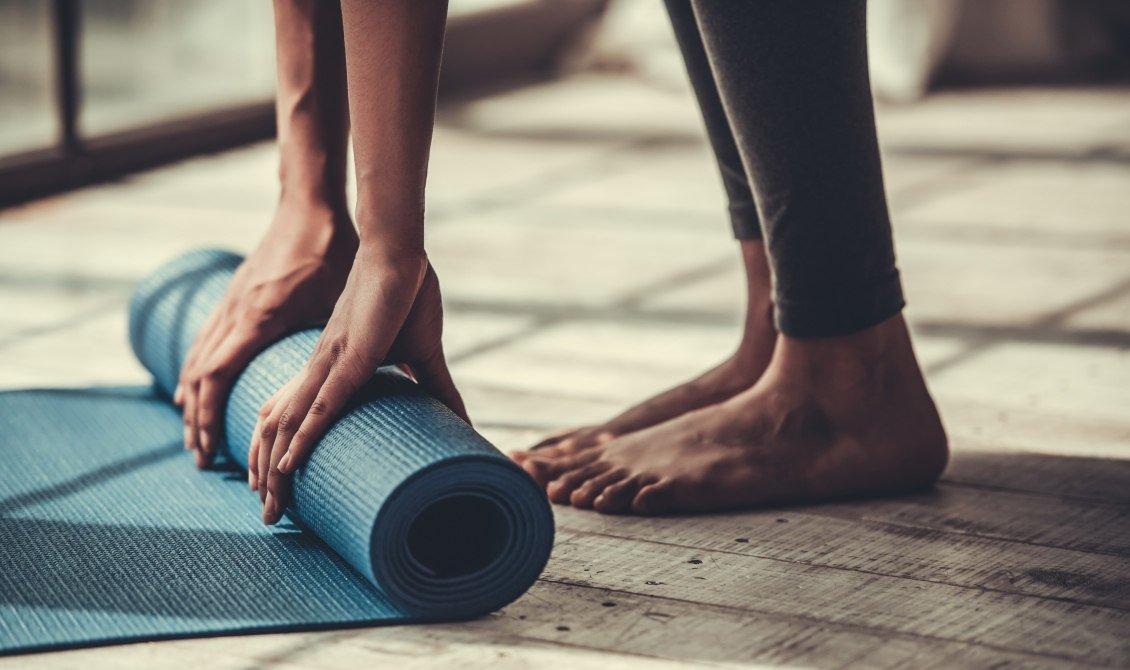 yoga mats & accessories